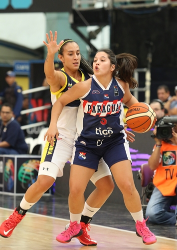 5 Maria MERCADO (Paraguay); 12 Jenifer MUÑOZ (Colombia)