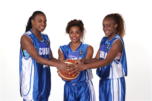 Leidys OQUENDO, Ineidis CASANOVA & Oyanaisy GELIS (Cuba)