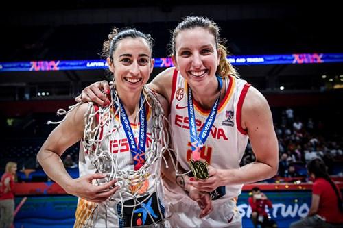 24 Laura Gil (ESP), 6 Silvia Dominguez (ESP), ESP vs FRA