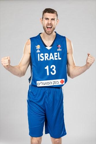 13 Ben Joshoua Carter (ISR)