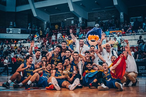 Champions, Romania