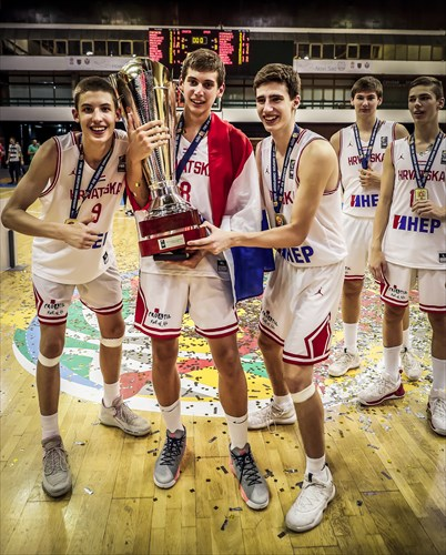 Boris Tisma, Roko Prkacin and Ivan Perasovic with the trophy