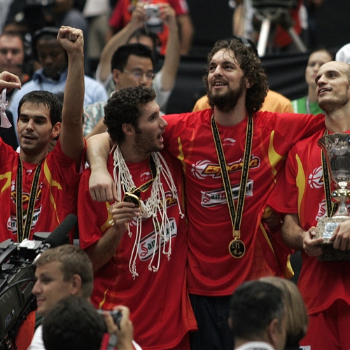 Team Spain; 5 Rudy FERNANDEZ (Spain); 4 Pau GASOL (Spain); 8 José-Manuel CALDERON (Spain)