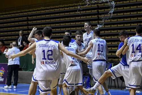 Greece's players celebrate after wining the final game.