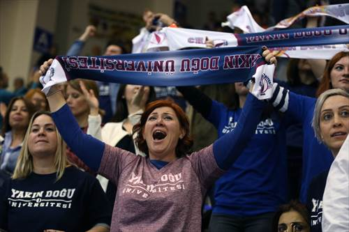 Fans (photo: Ahmet Tokyay)