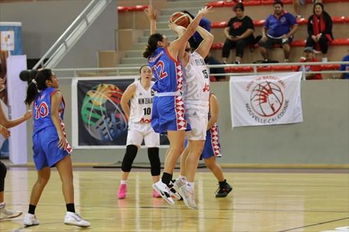 15 Sophie Adams (NZL)