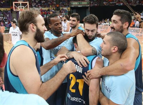 7 Mathias Calfani (URU), 22 Reque Newsome (URU), 33 Kiril A. Wachsmann-Mallner (URU), 6 Mauricio Aguiar (URU), 21 Luciano Parodi Gonzalez (URU)