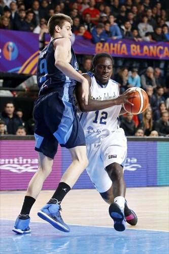 9 Nicolas Brussino (ARG), 12 Khalid Hart (ISV)
