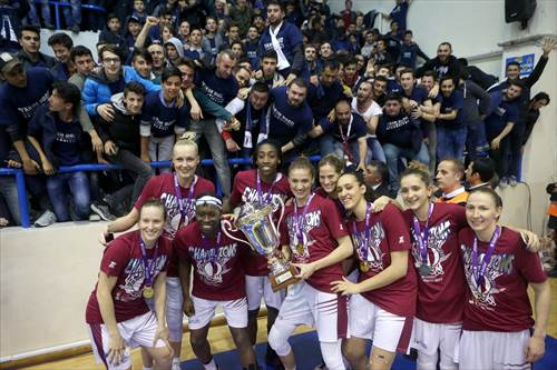 Champions Yakin Dogu Universitesi (photo: Ahmet Tokyay)