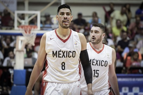 15 Israel Gutierrez (MEX), 8 Gustavo Ayon (MEX)