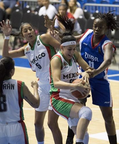 11 Marlen Cepeda (CUB), 15 Claudia Ramos Gutierrez (MEX), 5 Jacqueline Luna Castro (MEX)