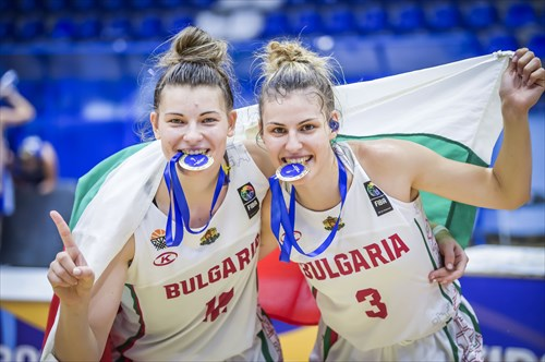 12 Viktoria Ivanova (BUL), 3 Yanina Todorova (BUL)