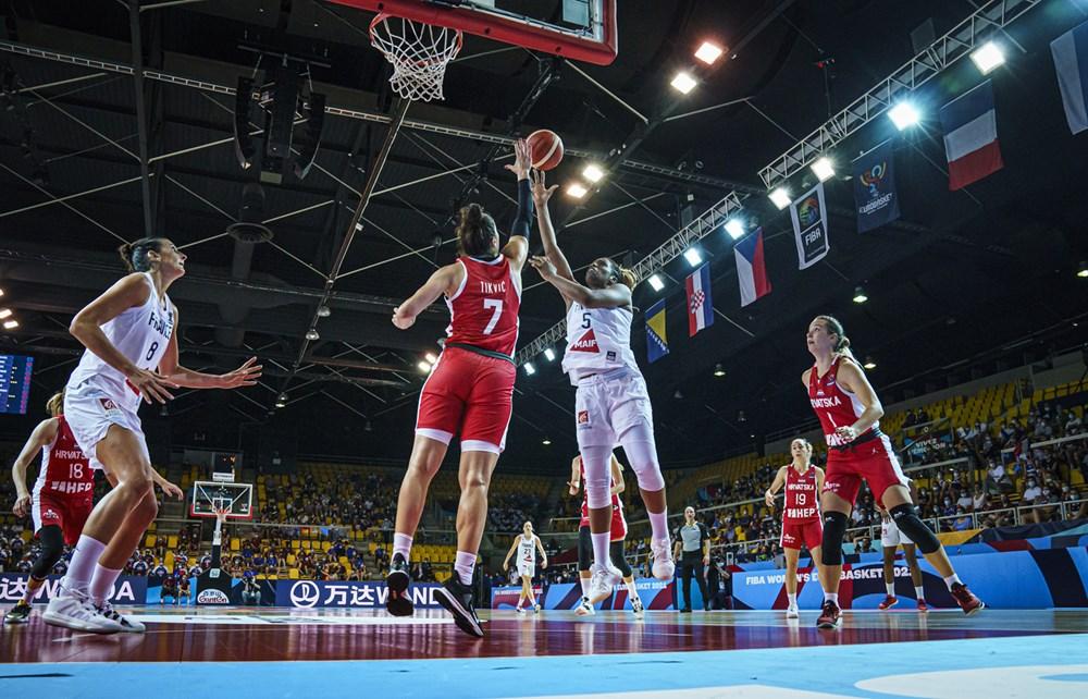 Francia derrota a Croacia con autoridad en el Eurobasket de España y Francia