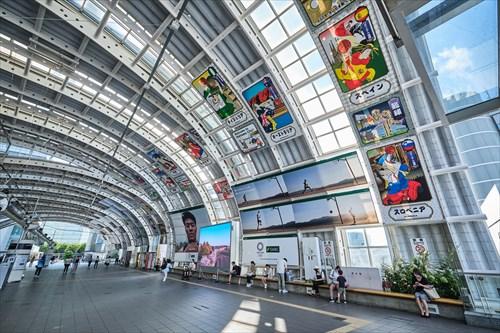 Basketball art in Saitama train station