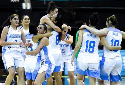 22 Natacha Perez (ARG), 12 Ornella Santana (ARG), 3 Mara Marchizotti (ARG), 10 Agostina Burani (ARG), 8 Andrea Boquete (ARG), 11 Melisa Gretter (ARG), 4 Macarena Rosset (ARG)
