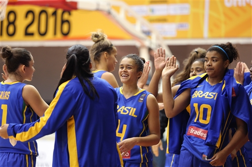 10 Raphaella Marciano Da Silva (BRA), 14 Gabriella D'Arrigo Soares (BRA)