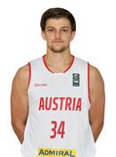Headshot of Moritz Lanegger