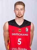 Headshot of Philipp Hadenfeldt
