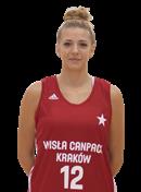 Headshot of Klaudia Niedzwiedzka