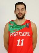 Headshot of Miguel Queiroz