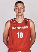 Headshot of Lasse Elbaek