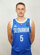 Headshot of Simon Krajcovic