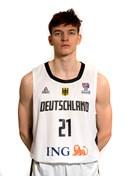 Headshot of Justus Hollatz