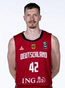 Headshot of Andreas Obst