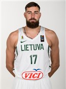 Headshot of Jonas Valanciunas